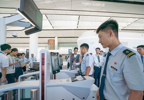 东航携手联通、华为在大兴机场推出基于5G的智慧出行集成服务系统