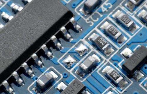 兆易创新拟募集资金总额约43亿元用于DRAM芯片自主研发及产业化项目及补充流动资金