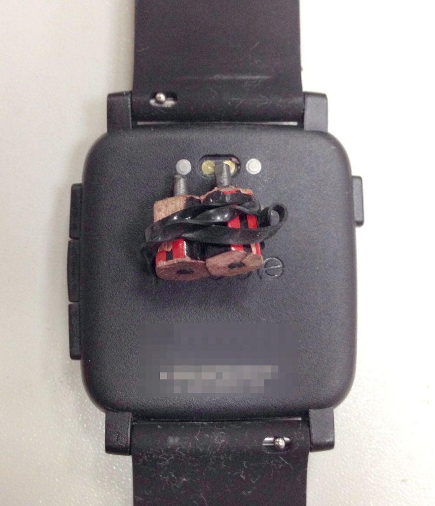 如何制作PebbleTime充电器