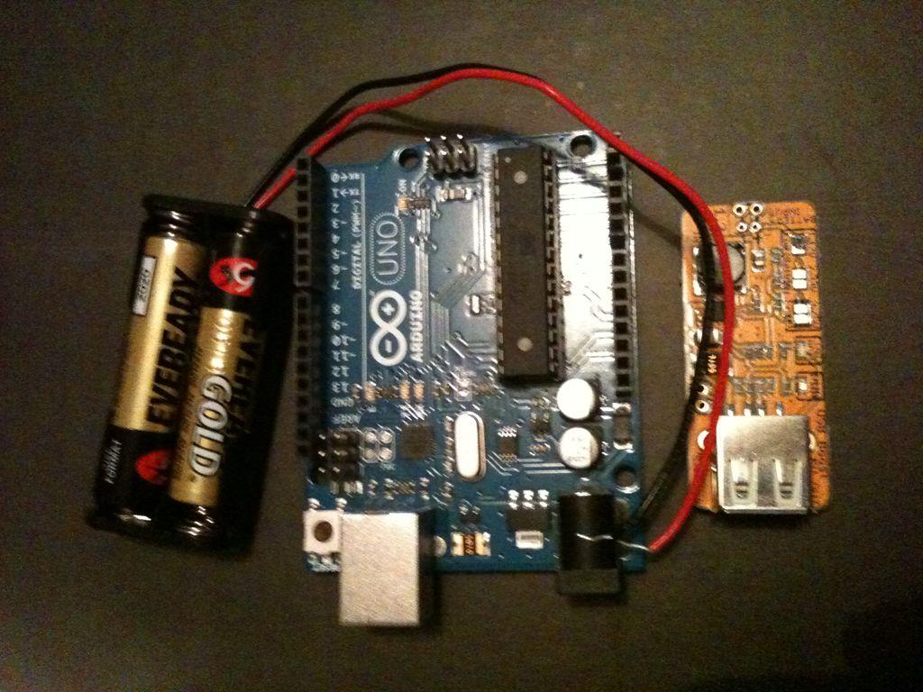如何僅使用2節AAA電池來運行arduinounor3