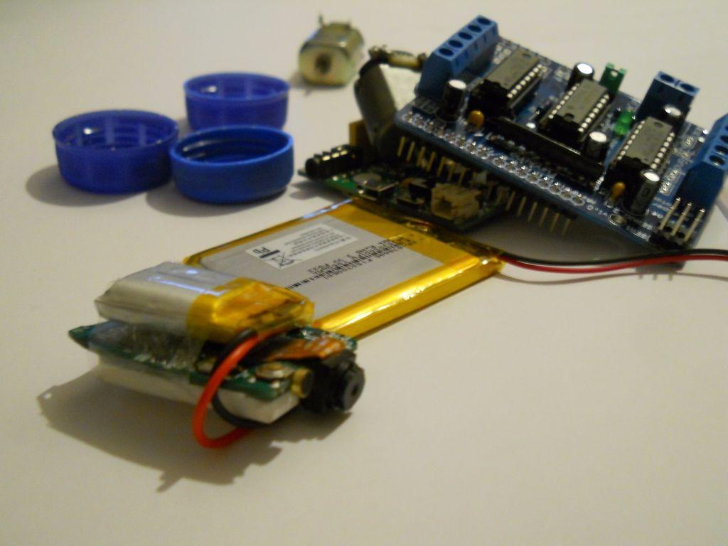 如何制作可錄制視頻的電話控制的遙控汽車