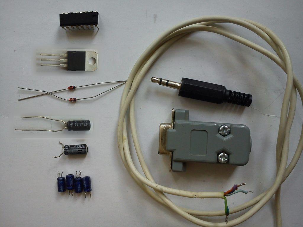 如何制作一个简单而紧凑的RS232电压转换器