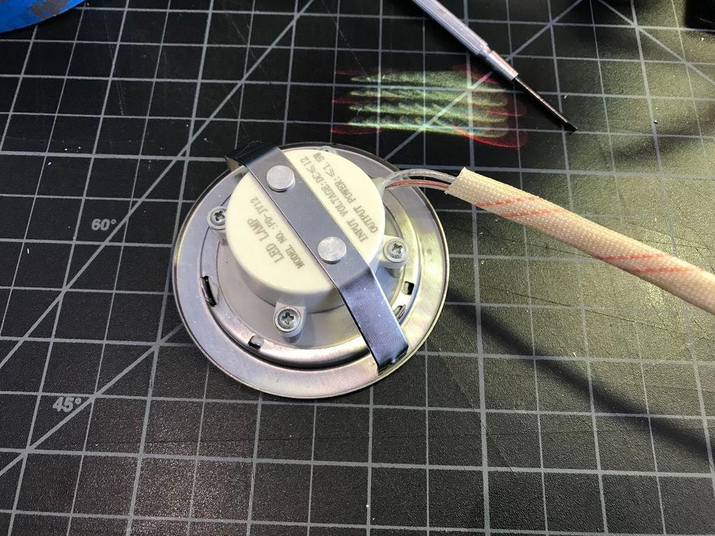 怎样更换您的昏暗厨房抽油烟机LED