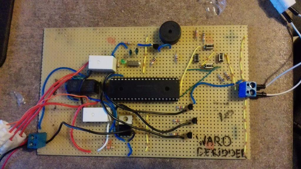 带微控制器驱动M35SP-9步进电机的制作