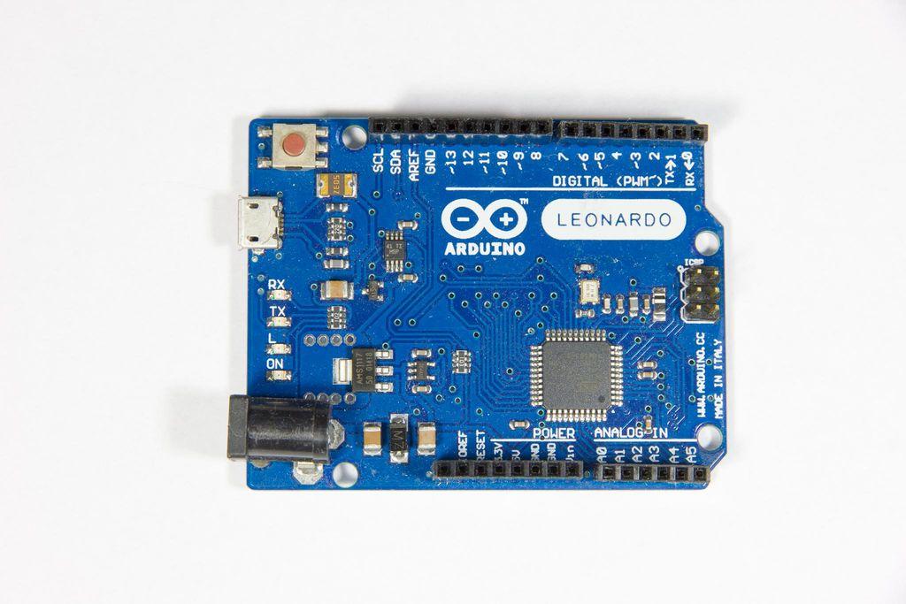 如何使用Arduino Leonardo板构建USB踏板