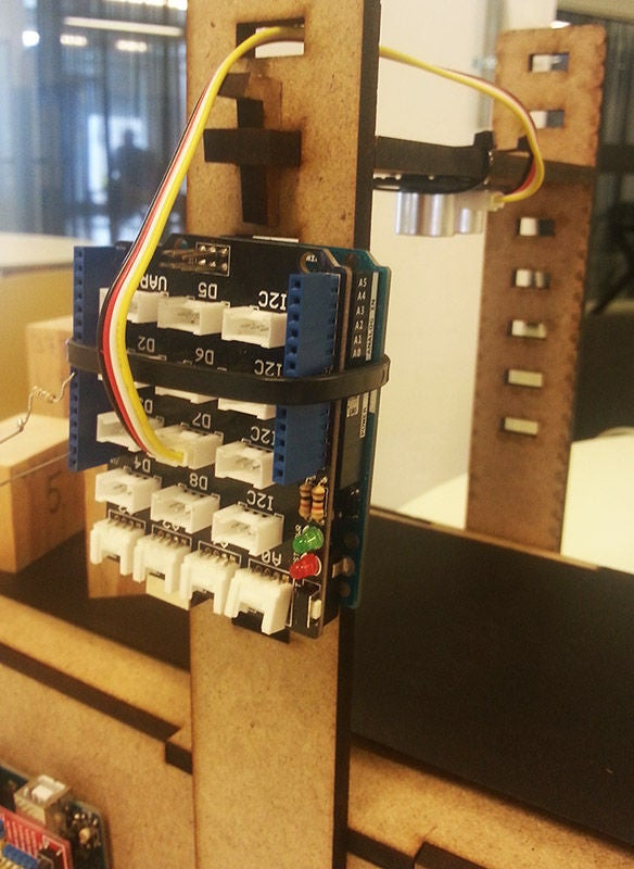 怎样在生产传送带上使用Arduino和超声波传感器对物体进行计数