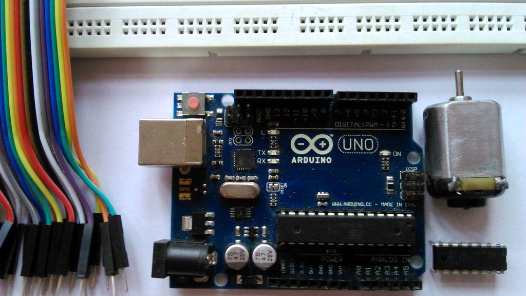 怎样用L293D控制直流电动机