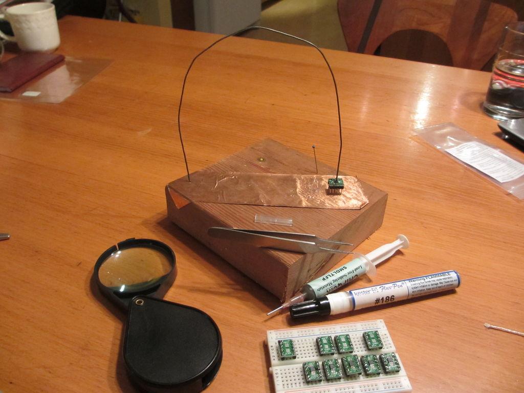 如何焊接SOP或微型表面贴装芯片