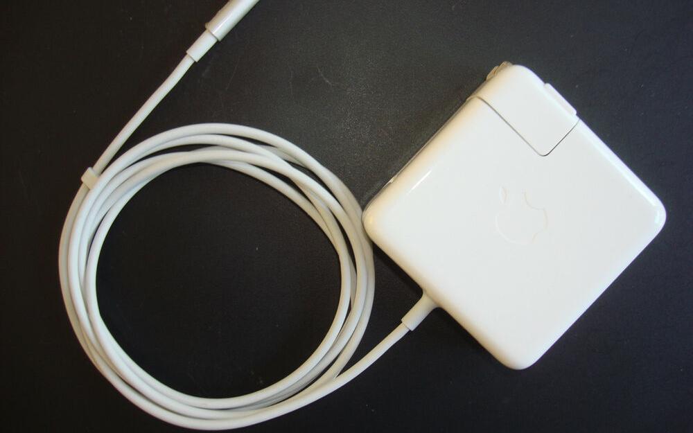傳16英寸MacBook Pro將搭載96W USB-C電源適配器