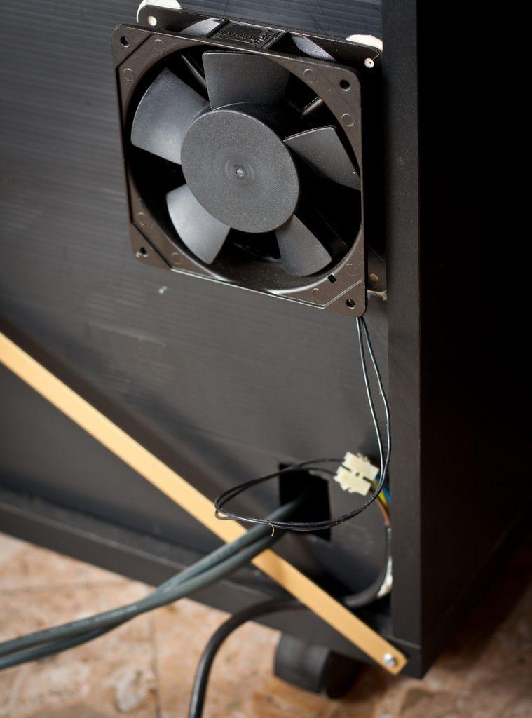 帶熱控制器的靜音風扇的制作