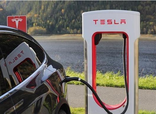 特斯拉推出的新电池组将延长电池的使用寿命