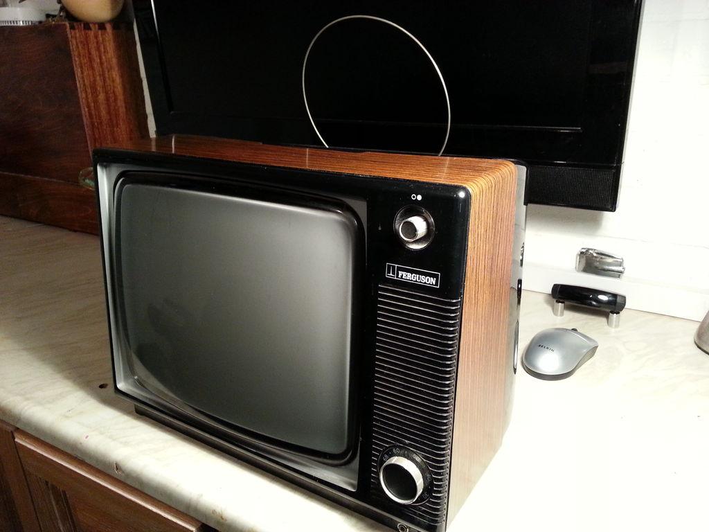 怎样将70年代的电视升级到显示器