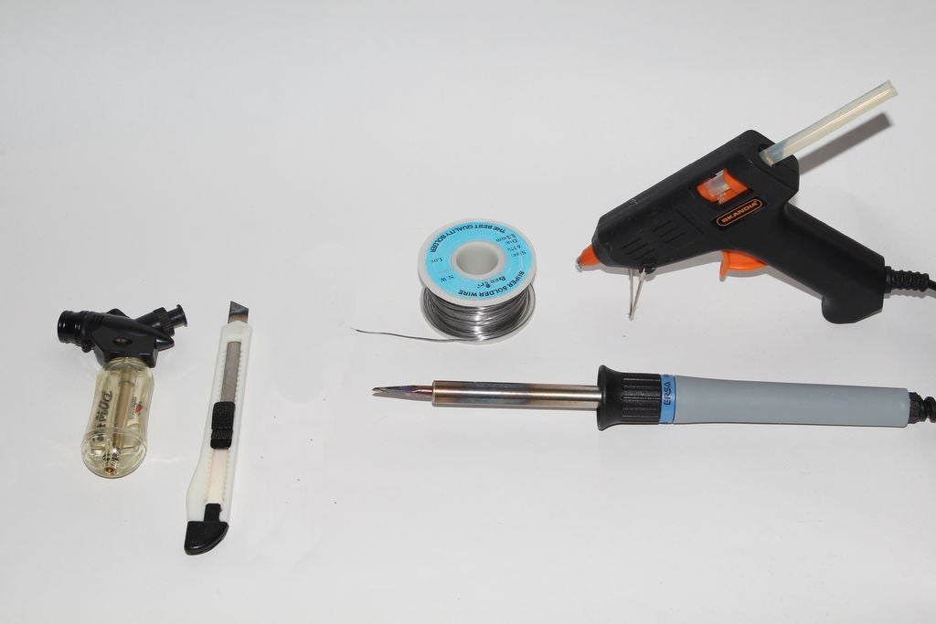 怎样制作一个具有物理数据锁的USB驱动器