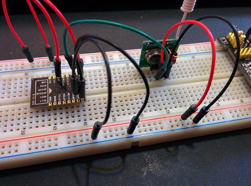 如何使用ESP8266-12打开和关闭使用应用程序Blynk库Rc-switch