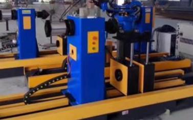 决定工业机器人快速发展的因素是什么
