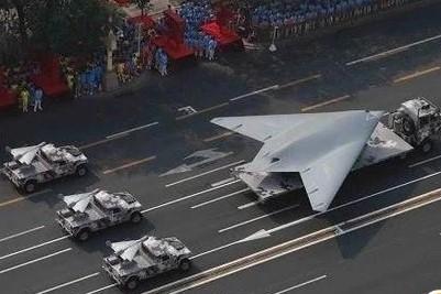 中国首款有人机与无人机协同作战的战机或许为歼-20