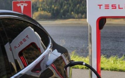 关于电动汽车耗电速度与行驶速度的关系