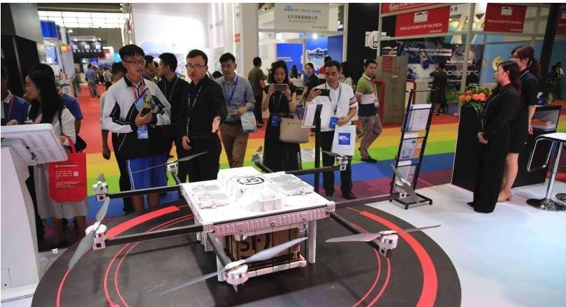 机器人送快递背后的科技是什么