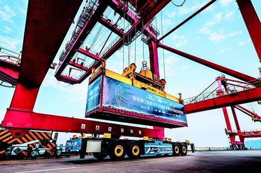 激光雷達技術助力智能港口轉運車實現高精度定位