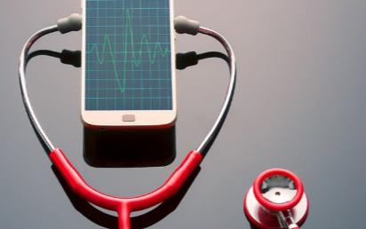 可穿戴设备与AI技术在医疗领域中相结合