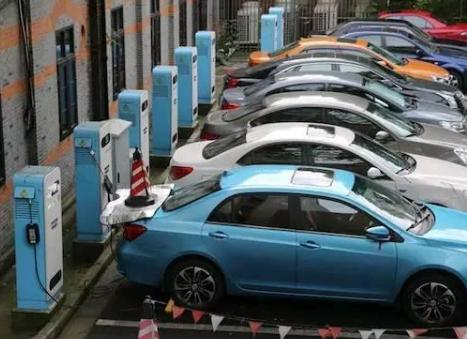 电动汽车在成为趋势化的同时也存在着一些弊端