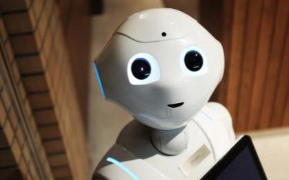 机器人产业正在推动当今社会经济的高速发展