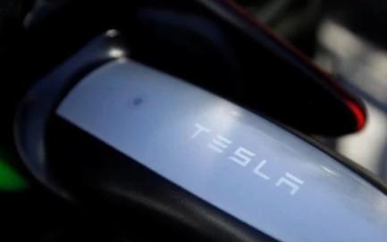 特斯拉發布新款液冷充電專用的連接器技術