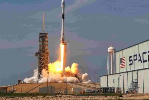 SpaceX正在尝试用卫星互联网覆盖全球