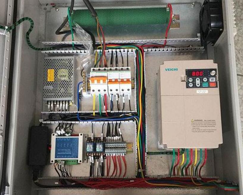 PLC供电电源加熔断器的必要性