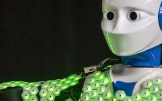科学家成功研制出了用于机器人的人工皮肤