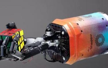 OpenAI的AI机器人可用单手就能还原魔方