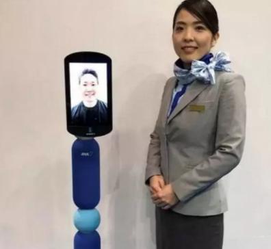日本航空公司ANA推出了一款远程呈现机器人可以实现用户远程互动