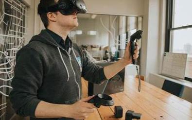 虚拟现实技术可以减轻旅途中的不适感