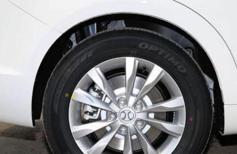 电动汽车的轮胎真的是越大就越费电吗