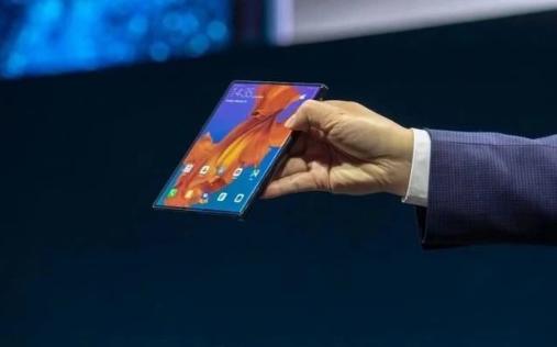 华为折叠屏手机10月23日发布 规模生产良品率面临考验