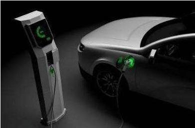 【转载】电动汽车是利用发动机来实现12V车载供电吗