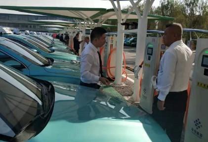 我国第一个新能源出租车充电站在上海