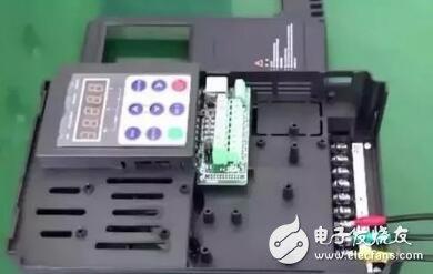 变频器主电路的接线流程