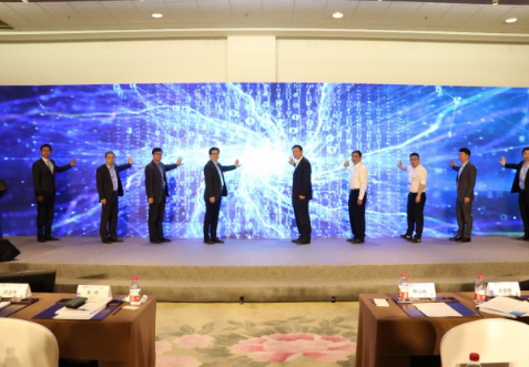 中國聯通正式發布了5本5G+智慧交通系列白皮書