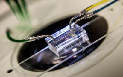 利用3D打印塑料组件来取代模拟电子电路