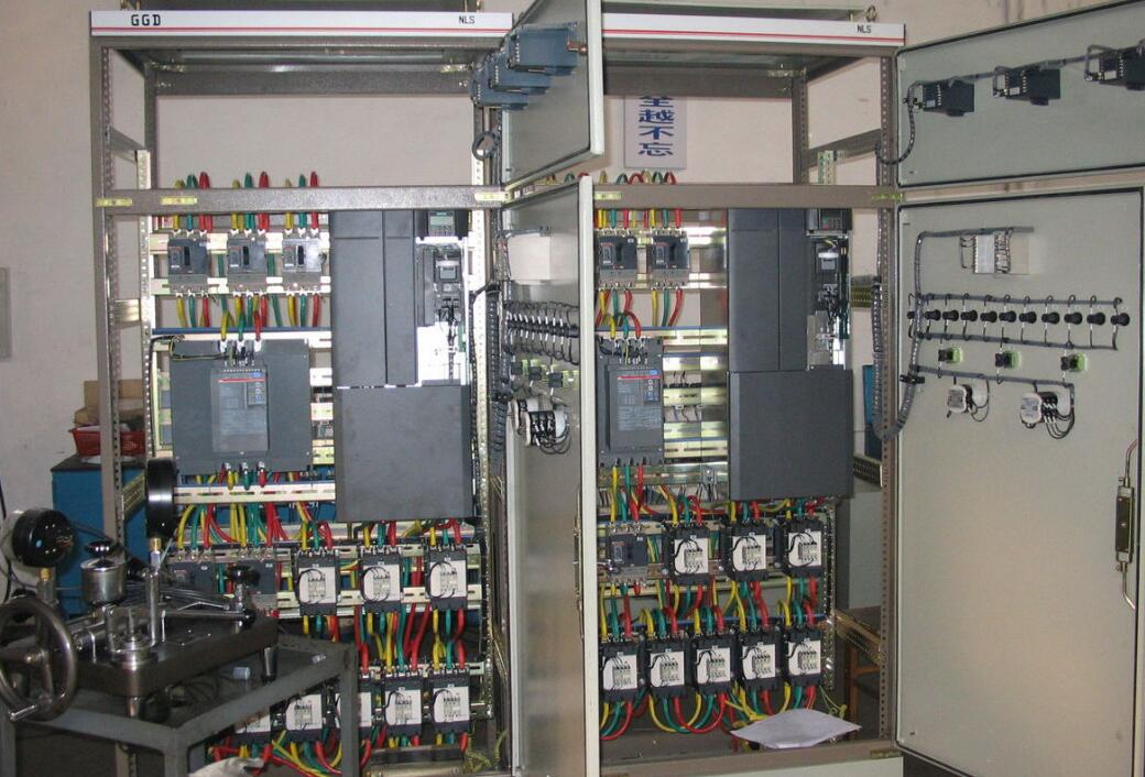 變頻控制柜環境條件_變頻控制柜特點分析