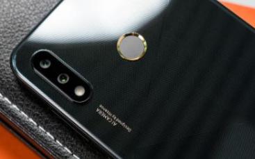 海信发布新品金刚5 pro,配置8000mA电池...