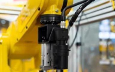 未来工业机器人的应用将向更多的领域延伸扩展