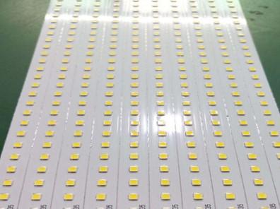 LED贴片加工选择铝基板的原因是什么?它具有哪些优缺点