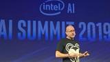 英特爾推出 AI 新品,性能是競品 6 倍!