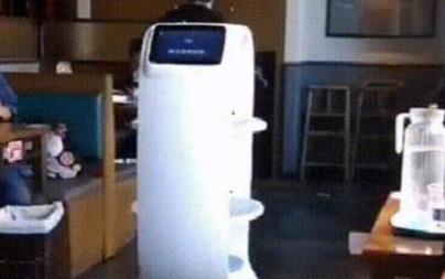 送餐机器人可以优化就餐体验和提高服务效率