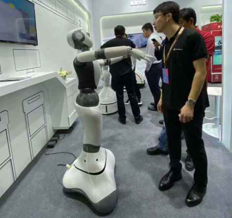 达闼科技打造出了5G+云端智能机器人服务新生态
