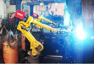 焊接发生电击事故的原因_电焊的安全防护措施