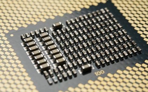 Intel十代酷睿桌面版亮相,核心数增加超线程也...
