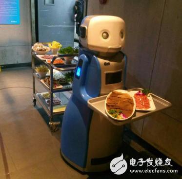 送餐机器人逐步进入下沉市场 帮助餐饮企业提升行业竞争力